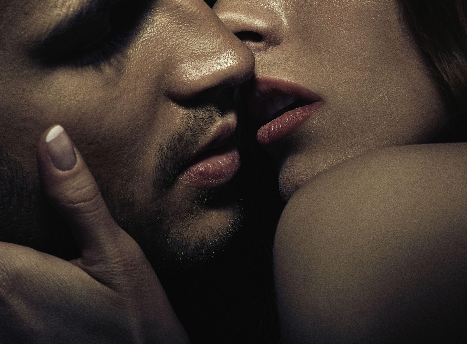 Красивые картинки поцелуи страсть